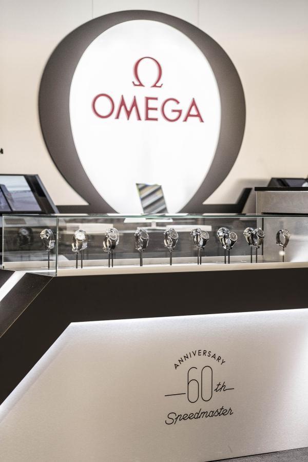 ANY_omega_creative_retail_agency_galerieslafayette_Vitrine